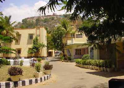 Dandayudhapani Nilaiyam, Palani