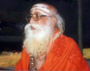 Shankarananda Swami addressing First International Conference on Skanda-Murukan, 1998