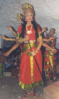 Ramani dances as Durga at Valli Malai
