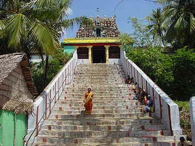 Steps to entrance of Kumarakoil